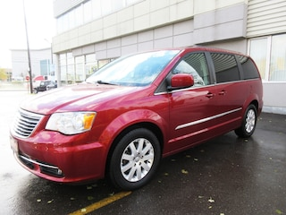 2013 Chrysler Town & Country Touring / Power sliding doors/Back-Up Camera Minivan