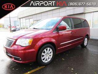 2013 Chrysler Town & Country Touring / Power sliding doors/Back-Up Camera Minivan