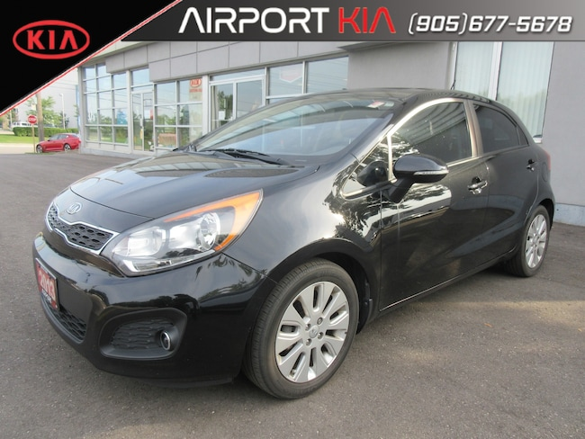 2013 Kia Rio EX Sunroof / Manual / Backup Camera/ Bluetooth Hatchback