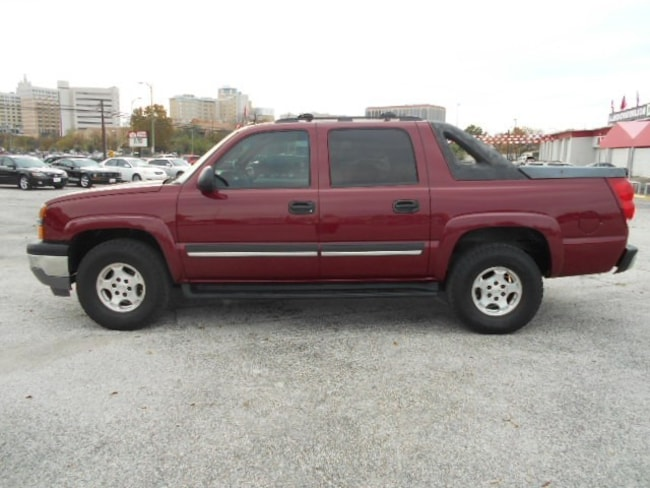 2005 Chevrolet Avalanche LS Pickup Truck