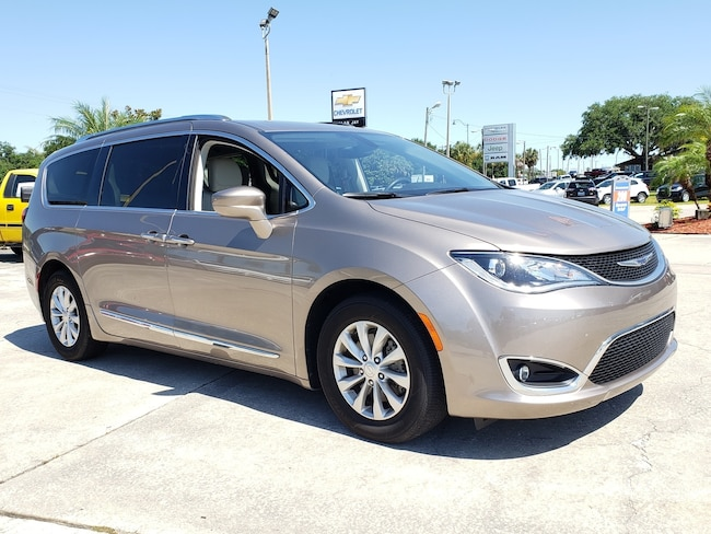 Used 2018 Chrysler Pacifica Touring L FWD Van For Sale Clewiston, Florida