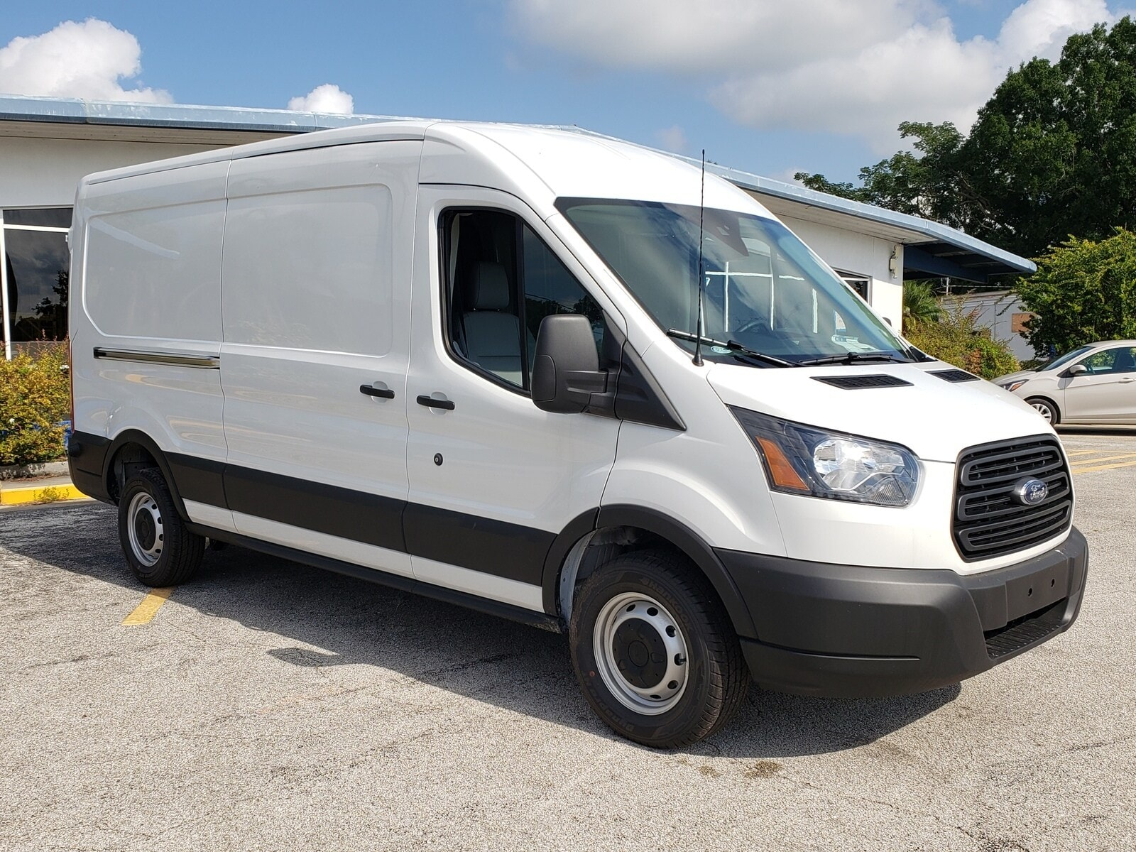 2019 Ford Transit VAN T-250 148 Van Medium Roof Cargo Van