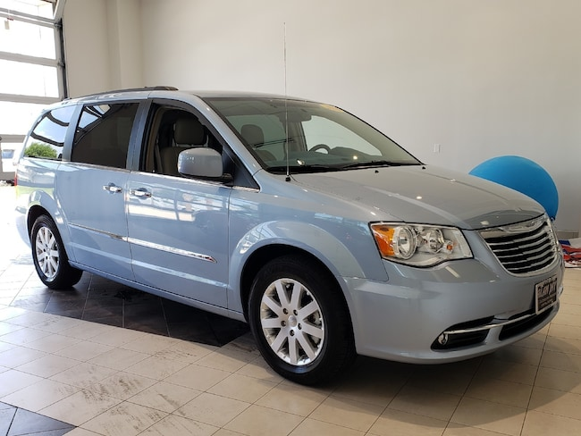 Used 2016 Chrysler Town & Country Touring Van LWB Passenger Van For Sale Wauchula, FL