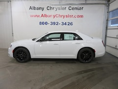 New 2019 Chrysler 300 TOURING AWD Sedan Albany MN