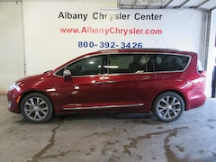 Used 2017 Chrysler Pacifica Limited Van in Albany, MN