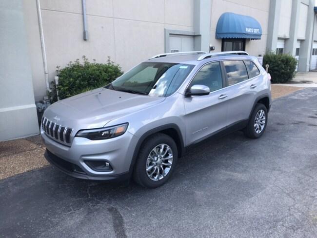 New 2019 Jeep Cherokee LATITUDE PLUS FWD Sport Utility for sale in Albertville, AL