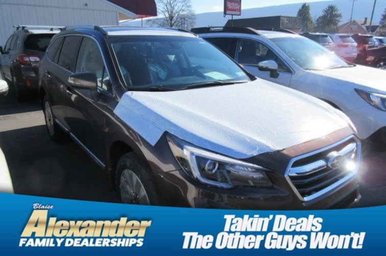 2019 Subaru Outback 3.6R Touring SUV 4S4BSETC2K3296352