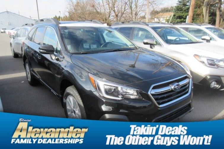 2019 Subaru Outback 2.5i Premium SUV 4S4BSAHC4K3242360