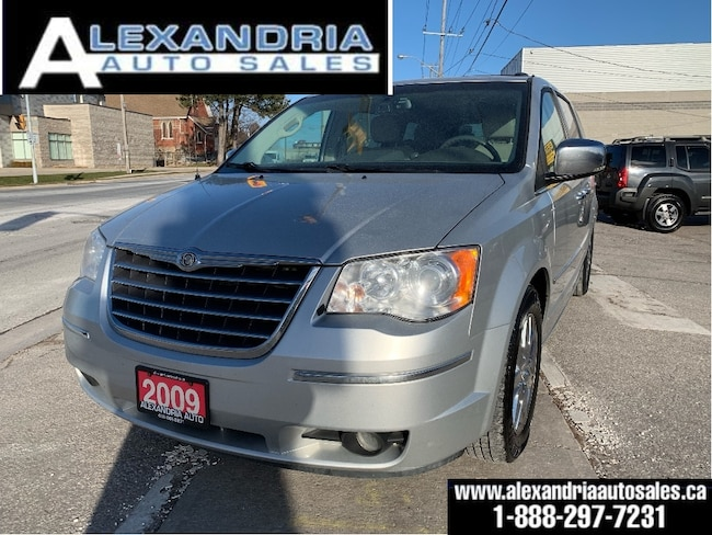 2009 Chrysler Town & Country Limited/navi/leather/sunroof/2 DVD/safety included Minivan