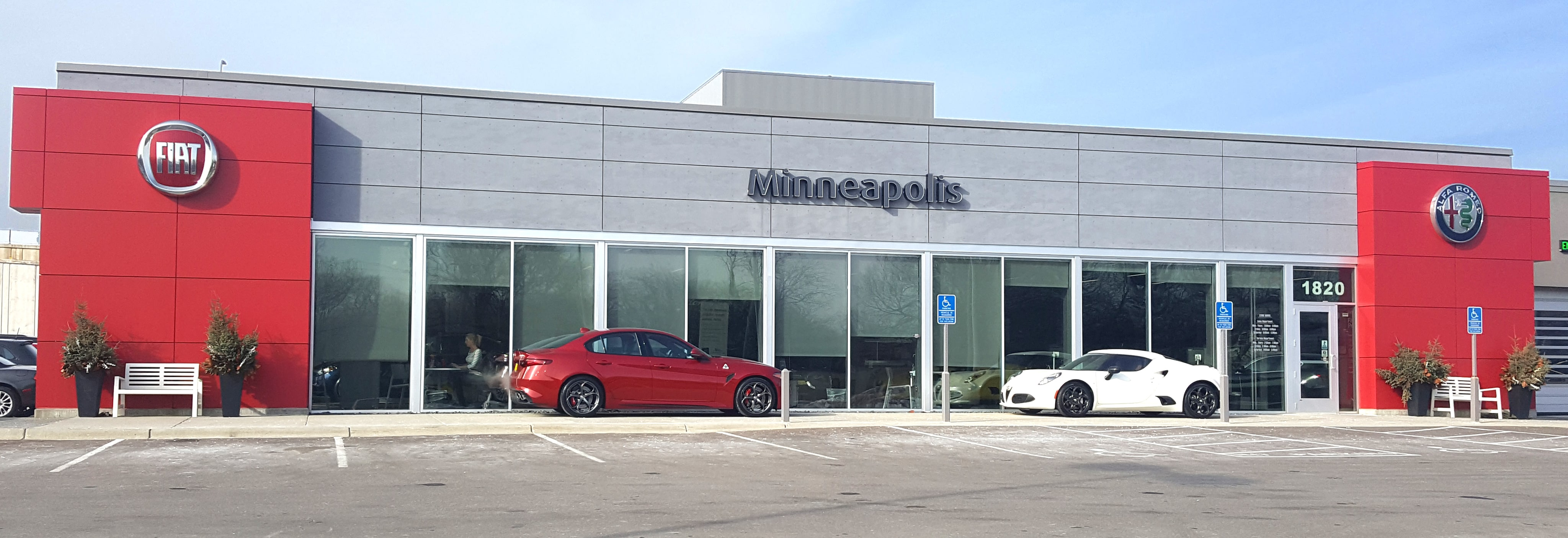 Minneapolis Car Dealers >> About Alfa Romeo Of Minneapolis In St Louis Park Minnesota