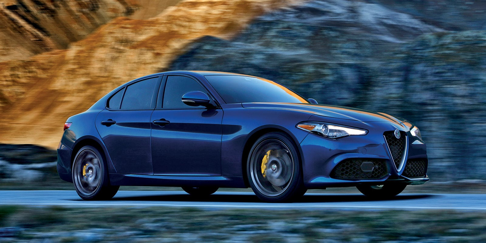 Motor Trend Names Alfa Romeo Giulia 2018 Car Of The Year Alfa