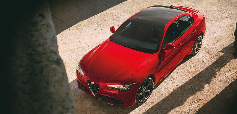 2019 Alfa Romeo Giulia Red Exterior Top View Picture