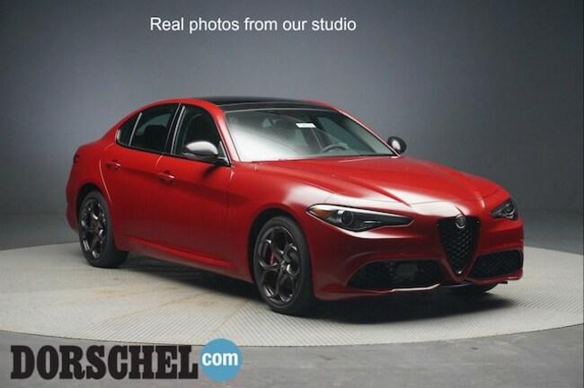 2018 Alfa Romeo Giulia SPORT AWD Sedan