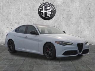 2019 Alfa Romeo Giulia Base Sport  Sedan