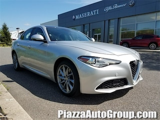 2017 Alfa Romeo Giulia Base Sedan