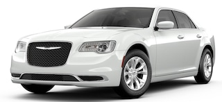 New 2019 Chrysler 300 TOURING Sedan San Angelo, TX