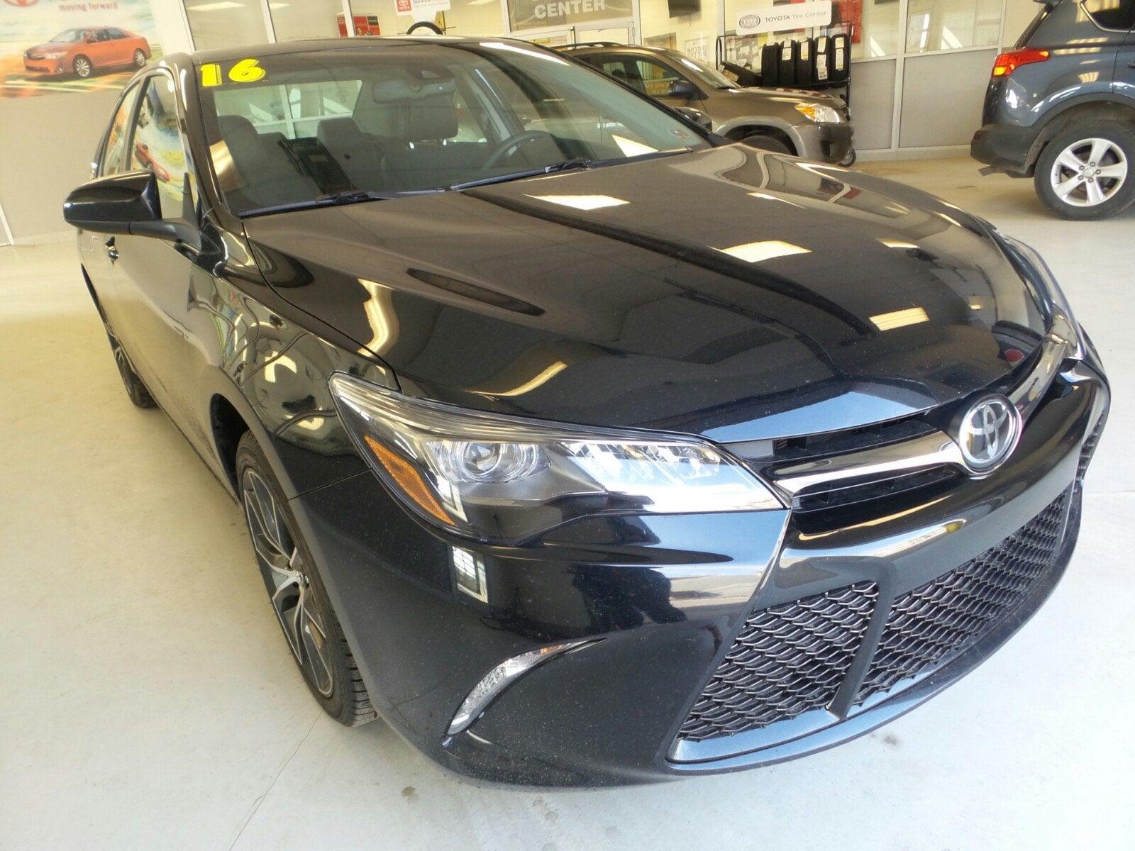 2016 Toyota Camry XSE Sedan