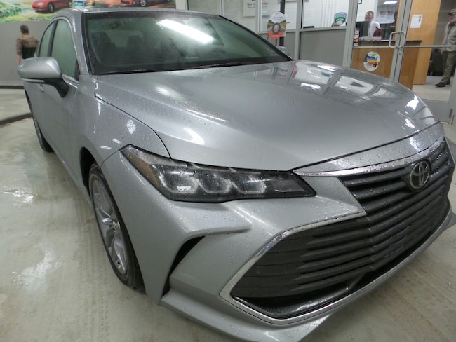 New 2019 Toyota Avalon XLE Sedan For Sale in Franklin, PA