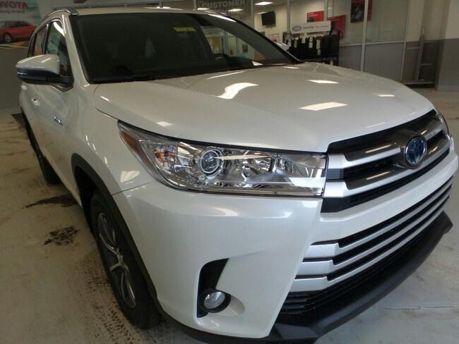 New 2019 Toyota Highlander Hybrid XLE V6 SUV For Sale in Franklin, PA
