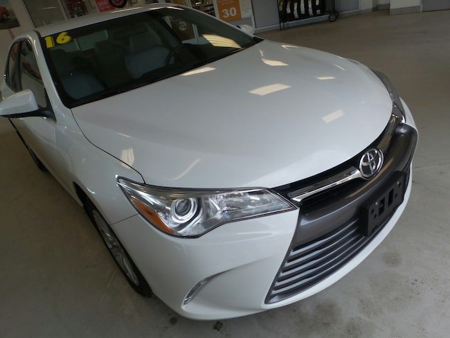 Used 2016 Toyota Camry XLE Sedan For Sale in Franklin, PA