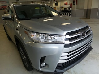 New 2019 Toyota Highlander XLE V6 SUV for sale in Franklin, PA