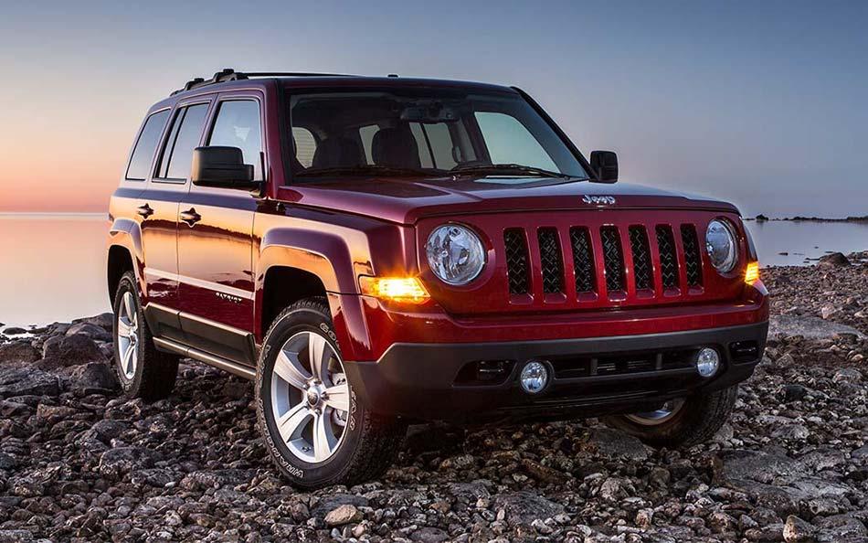 2015 Jeep Patriot vs. Ford Escape | Nashua Jeep Dealership
