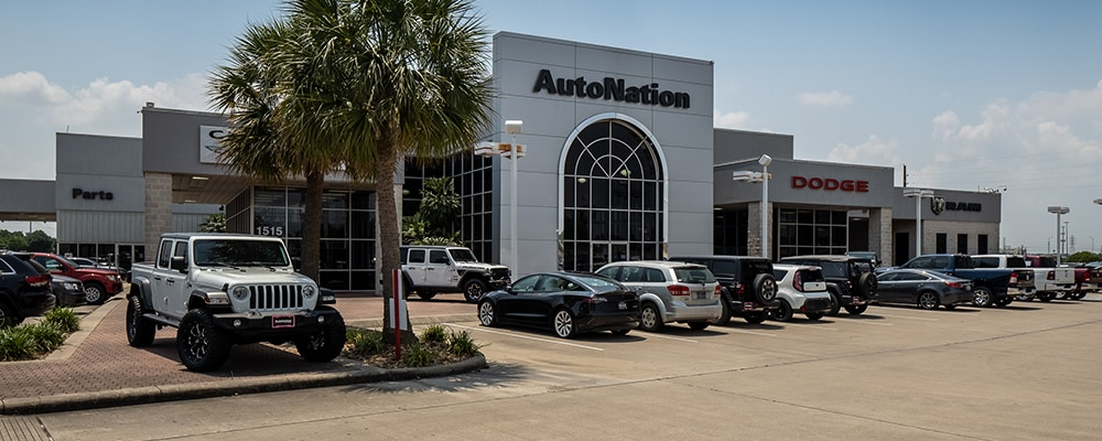 Exterior view of Autonation Chrysler Dodge Jeep Ram Houston during the day