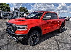 2019 Ram 1500 REBEL CREW CAB 4X4 5'7 BOX Crew Cab