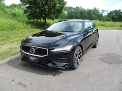 New 2019 Volvo V60 T6 AWD Momentum Wagon near Burlington