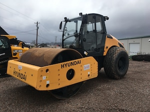 2017 HYUNDAI HR120C-9 Compaction Roller