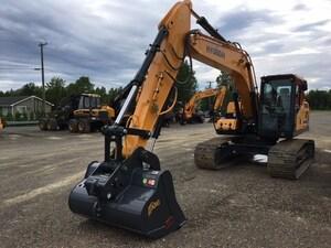 2017 HYUNDAI HX180L 128HP   19,484 kg   0.99 yd3