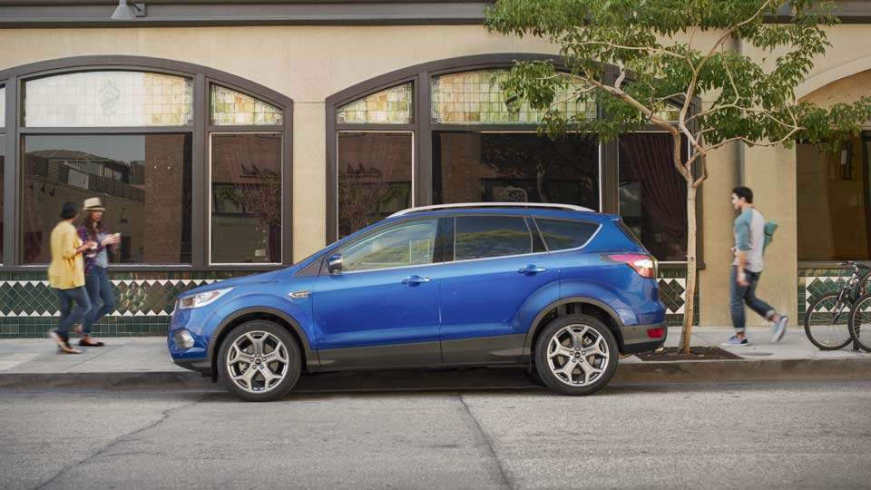 2017 Ford Escape Profile
