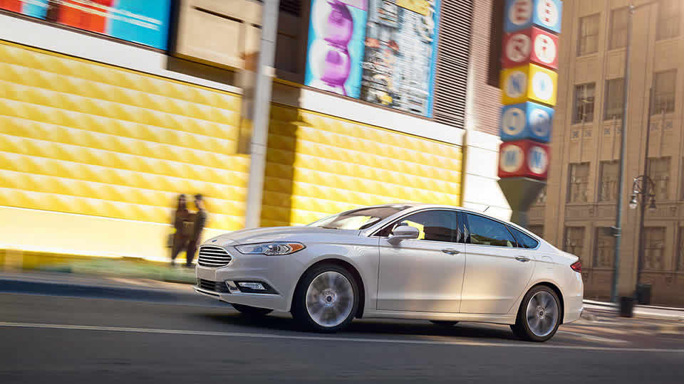 2017 Ford Fusion White Profile