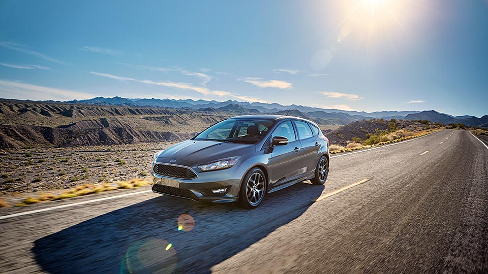 2016 Ford Focus driving