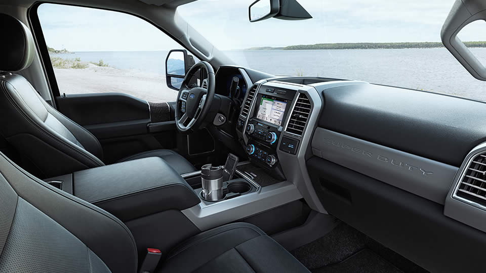 2017-ford-super-duty-front-interior