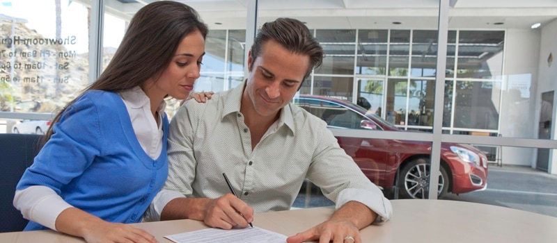 Signing Auto Finance Papers