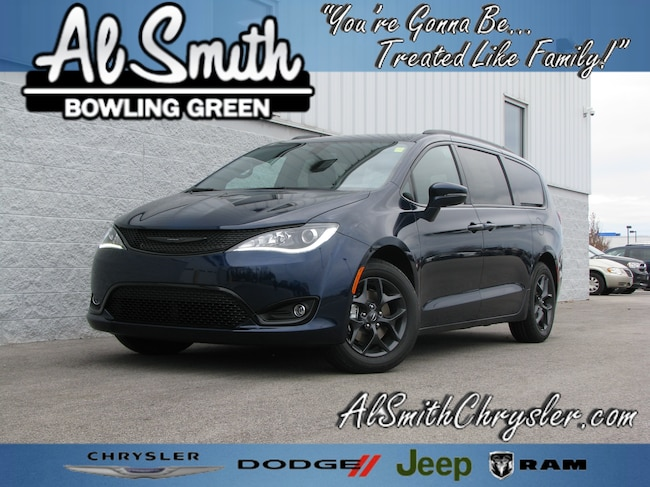 New 2019 Chrysler Pacifica LIMITED Passenger Van Bowling Green OH