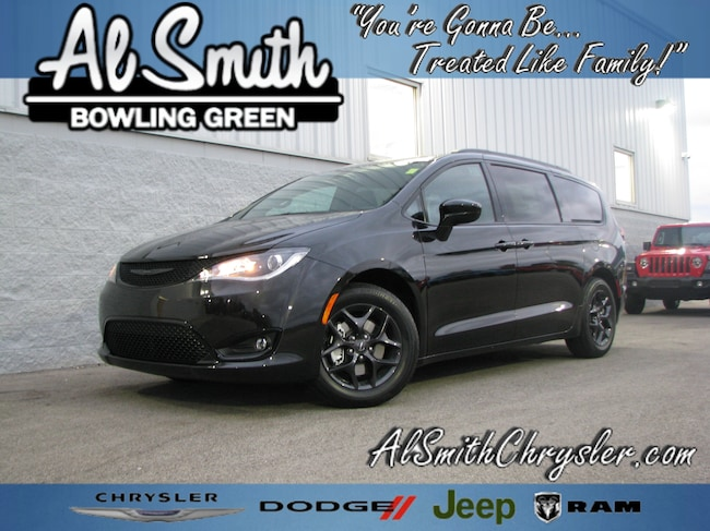 New 2019 Chrysler Pacifica TOURING L PLUS Passenger Van Bowling Green OH