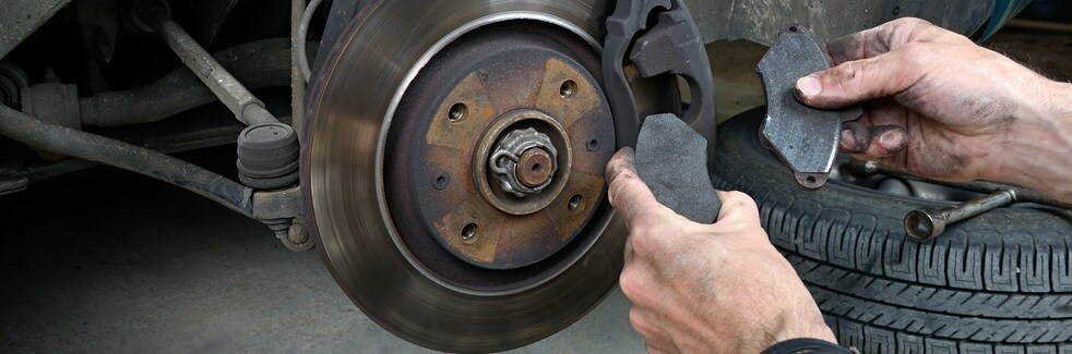 When To Replace Brake Pads >> When To Replace Brake Pads Bowling Green Oh Al Smith Cdjr