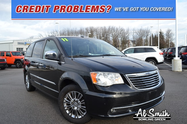 2011 Chrysler Town & Country Limited Minivan/Van for sale in Bowling Green OH