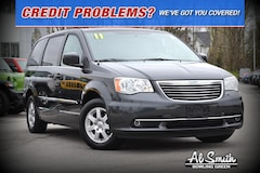 2011 Chrysler Town & Country Touring Minivan/Van