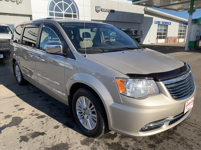 2013 Chrysler Town & Country Limited Passenger Van