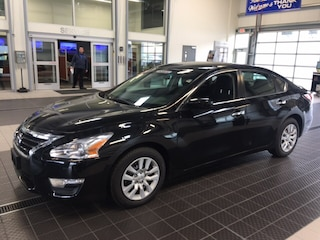 Used 2015 Nissan Altima 2.5 S Sedan near Providence