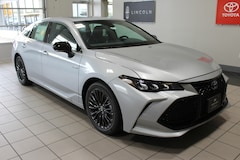 New 2019 Toyota Avalon Hybrid XSE Sedan