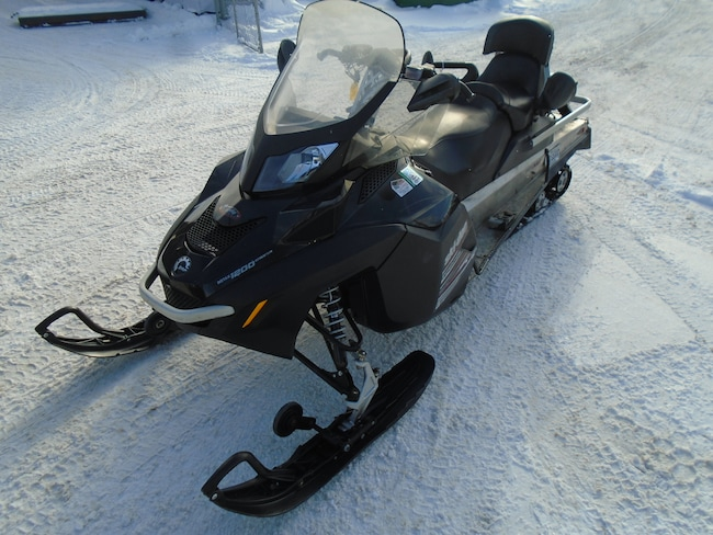 2010 SKI-DOO EXPEDITION LE 1200