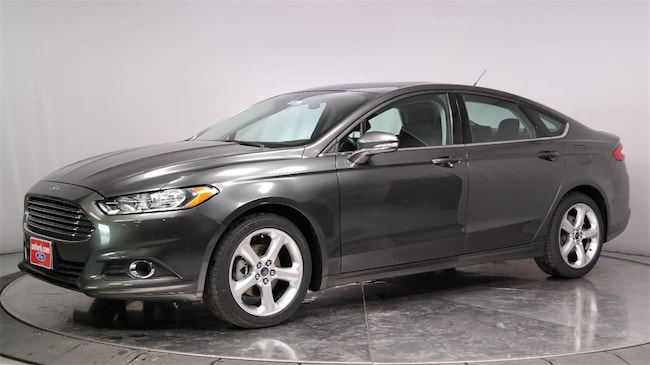 Used 2016 Ford Fusion SE Sedan for sale in Lancaster, CA