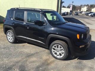 New 2019 Jeep Renegade LATITUDE 4X4 Sport Utility Elverson, PA
