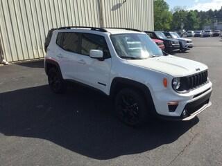 New 2019 Jeep Renegade ALTITUDE FWD Sport Utility Elverson, PA