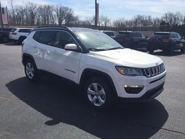 New 2019 Jeep Compass LATITUDE 4X4 Sport Utility Elverson, PA