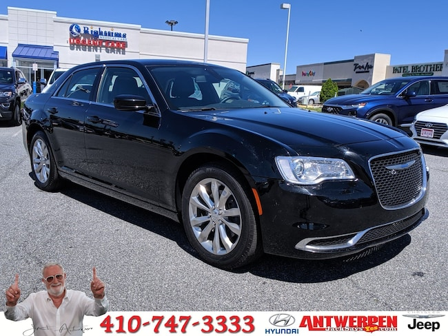2018 Chrysler 300 Touring L Touring L AWD